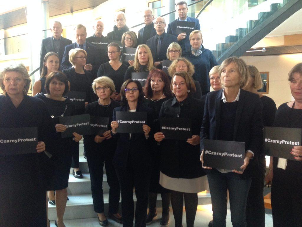 20161005-droits-des-femmes-pologne-1